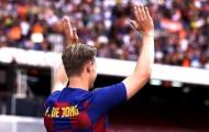 'Bom tấn' rạng ngời, chính thức ra mắt Barcelona