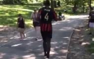 Pogba bất ngờ mặc áo số 4, mặc kệ tin đồn rời Man Utd
