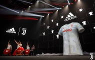 Ronaldo cùng đồng đội công bố áo sân khách cực 'chất' của Juventus