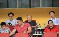 Viettel đánh rơi điểm đáng tiếc, HLV Park Hang-seo xuống động viên các 'trò cưng'
