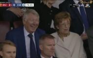 M.U hủy diệt Chelsea, Sir Alex phản ứng ra sao trên khán đài?