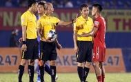 Sau bàn thua oan của HAGL, trọng tài V-League cũng phạm sai lầm ở sân Hoà Xuân?