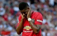 Đây, điều Martial làm với Rashford khi Man Utd hưởng penalty!