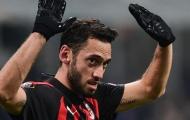"""""""Thánh sút phạt"""" đứng trước tương lai bấp bênh tại AC Milan"""