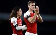 'Kẻ bất bại' tái xuất, Arsenal vẫn phiền lòng vì 3 cái tên