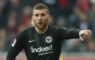 XONG! AC Milan sắp đón sao Croatia từng bắn hạ Argentina