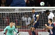 SỐC! Đội trưởng PSG 'ngáo ngơ' khó tin buộc trọng tài phải can thiệp