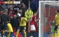 Emery lên tiếng, nhận định sốc về màn 'né bóng' của thủ quân Arsenal
