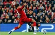 Cận cảnh pha xử lý biến Van Dijk thành 'tội đồ' bên phía Liverpool