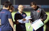 Chạm trán Malaysia: 2 tuyển thủ nào sẽ bị loại vào giờ chót?