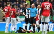 CĐV Man Utd: 'Kinh tởm. Ai mang gã đó về, đáng bị đánh đập'