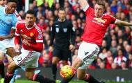 XONG! 'Cục tạ' của Man Utd là hậu vệ tệ nhất thế giới
