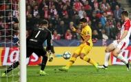 'Ác mộng' 4 năm vẫn đang vùi dập Luis Suarez!
