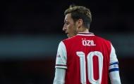 'Không hiểu chuyện gì đang xảy ra với Ozil'