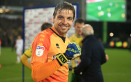 Man Utd giúp 'thánh cản penalty' vô đối Premier League