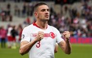 Fan Man Utd phát cuồng: 'Cậu ta giống Vidic, hay hơn De Ligt. Một con quái thú'
