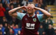 CHÍNH THỨC: 'Kỷ lục gia' Premier League gia hạn hợp đồng, nguyện giải nghệ tại CLB