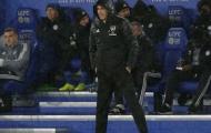 Arsenal lần đầu phải làm điều này trước Leicester
