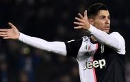 """""""Nhờ"""" cựu sao Arsenal, Ronaldo san bằng kỉ lục tồi tệ sau 10 năm"""