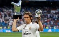 Đánh bại Messi và Ronaldo, Modric lại chiến thắng giải thưởng 'đời cầu thủ chỉ có 1'