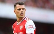 Huyền thoại Arsenal mong Xhaka đừng 'nóng mất khôn'