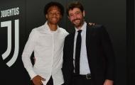 """CHÍNH THỨC: Juventus gia hạn hợp đồng với """"vũ công"""" Colombia"""