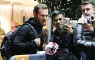 Dàn sao Man Utd tới khách sạn Lowry: Maguire căng thẳng; 'Nhân tố X' có mặt