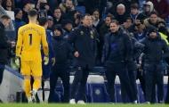 SỐC! Tái ngộ Chelsea, Terry chỉ nói đúng 1 câu với Lampard