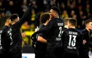 Dortmund nhẫn tâm tặng đối thủ 'bàn tay nhỏ', NHM 'rần rần' trên mạng xã hội