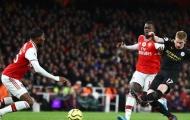'Hàng thủ Arsenal như trò đùa, không giao tiếp và vô tổ chức'