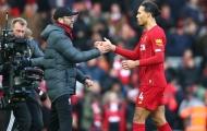 Van Dijk 'bỏ tập' cùng Liverpool tại Qatar
