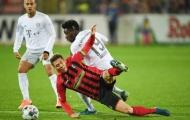 Bayern suýt ngậm trái đắng, NHM tức điên chỉ trích 1 điều
