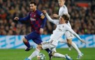 CĐV Barca: 'Quá tuyệt vọng, đã đến lúc hắn ta nên ra đi thanh thản!'