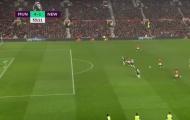 Chỉ một hình ảnh trận thắng Newcastle đủ thấy M.U cần gấp 'số 10' mới