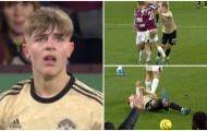 Bị đốn ngã lộn cổ, sao Man Utd vẫn phải nhận thẻ vàng