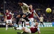 Martial bùng nổ, đồng đội ở Man Utd như 'phát rồ'