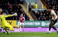 Thắng 6/8 trận, Man Utd phả 'hơi nóng' sát gáy khiến Chelsea run sợ