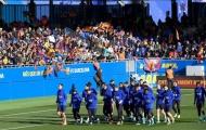 Xoa dịu CĐV sau trận Espanyol, Barca lần đầu làm chuyện khó tin