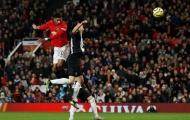 'Hủy diệt' tháng 12, 'báu vật' Man Utd được CLB lẫn EPL vinh danh