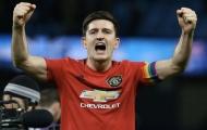 Maguire 'thăng chức' quá nhanh ở Man Utd, Neville văng tục gây sốc