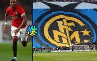 Rời M.U, Ashley Young khoác số áo lạ ở Inter Milan