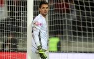 Bất ngờ trở thành người thừa, 'kẻ đóng thế' Neuer trên đường rời Bayern