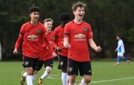 Tân binh ghi bàn ra mắt, Man Utd thắng sít sao