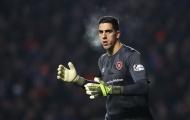 Mắc sai lầm chí mạng, 'kẻ thách thức' De Gea hết cửa trở lại Man Utd?