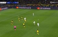 Sao PSG tự biến mình thành 'trò hề' sau pha độc diễn như Neymar