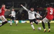 CHOÁNG! Rooney hóa Pirlo, xử lý 54 mét thiên tài xé toang hàng thủ Man Utd