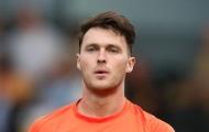 Cắn đối phương, thủ môn cho mượn của Man Utd bị cấm thi đấu 6 trận