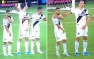 'Đó là một trong những khoảnh khắc mà Zlatan thể hiện con người thật'