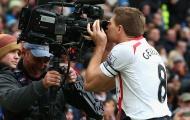 Ngày này năm xưa, Gerrard và huyền thoại 'camera man' ra đời