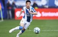 Tiền đạo số 1 Trung Quốc đang chơi bóng ở La Liga nhiễm Covid-19